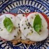Bruschetta de tomate e mozarella