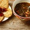 Sopa de feijão com catacuzes (Alentejo)