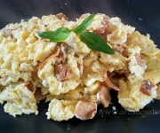 Ovos com túberas (trufas brancas)