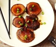 cogumelos shitake grelhados com molho shoyo