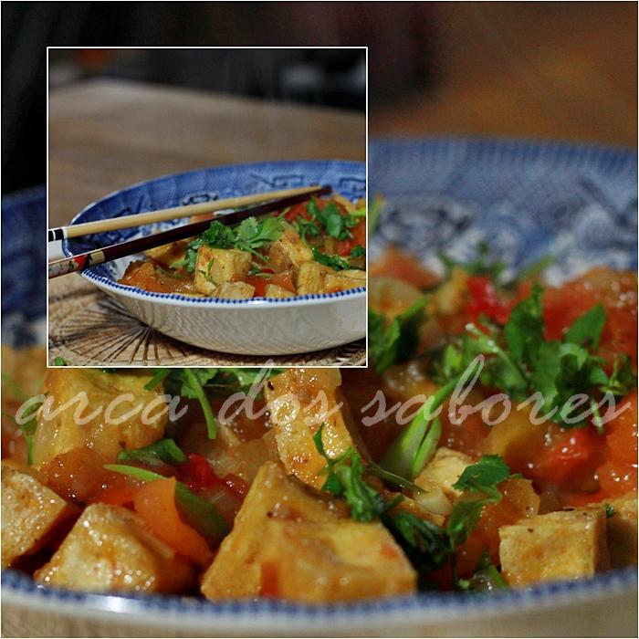 Tofu frito em molho de tomate e pimenta (Luke Nguyen)