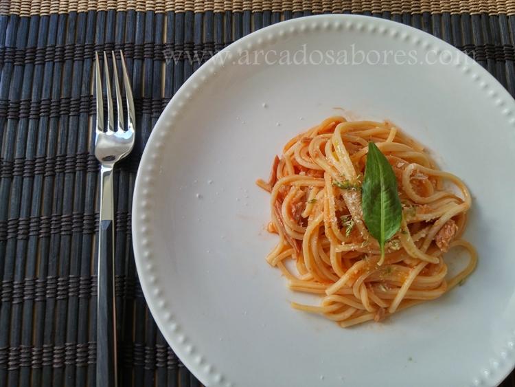 Esparguete com atum