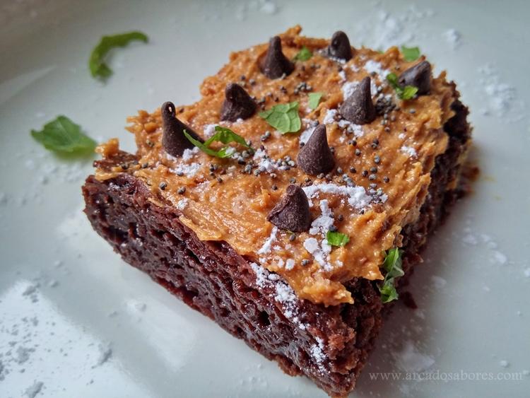 Brownie de chocolate e amendoim