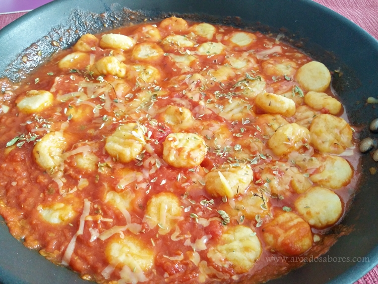 Gnocchi de batata ( 3 ingredientes)